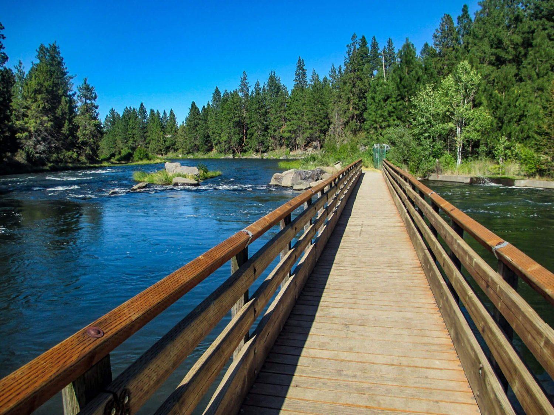 Deschutes River Trail - Top 50 Central Oregon Winter Hikes