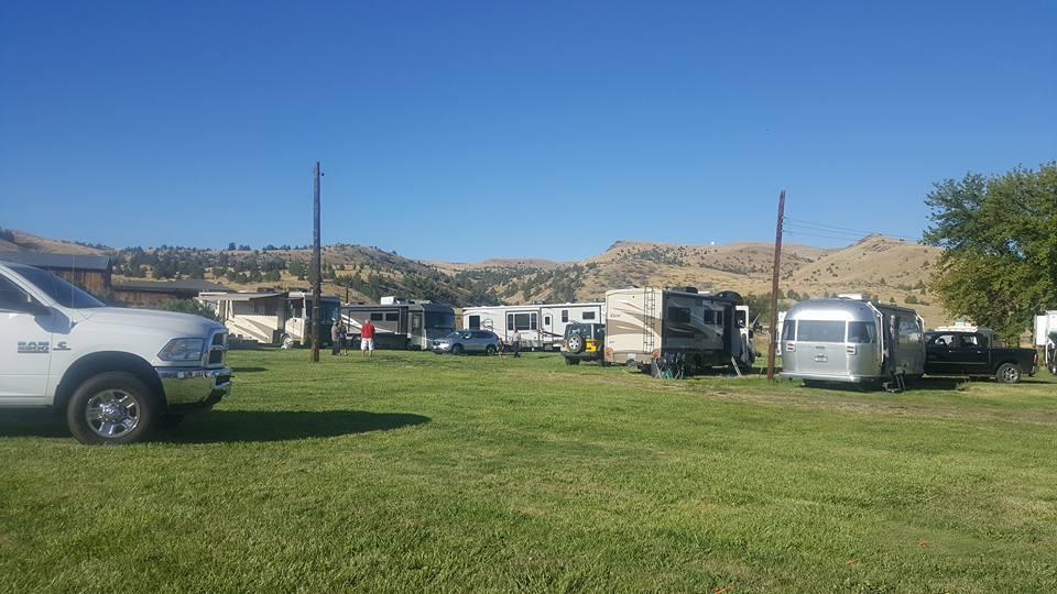 Fossil Motel & RV Park near John Day Fossil Beds